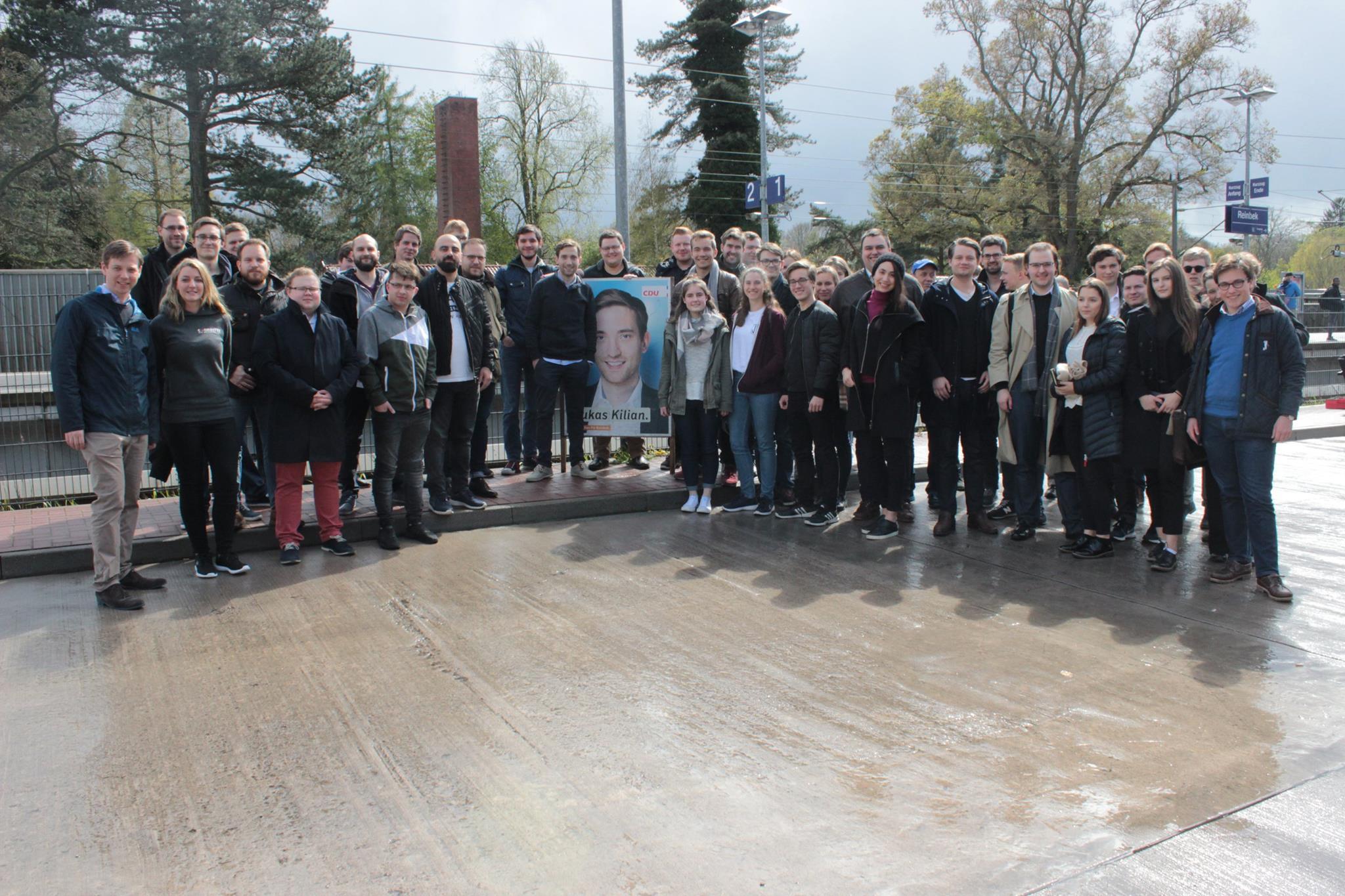 Tür zu tür  Tür zu Tür in Reinbek - Mehr als 60 JUler im Einsatz | JU Stormarn